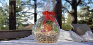 Gifts of Good Taste: Exotic Fruit Basket & Deluxe Pantry Box